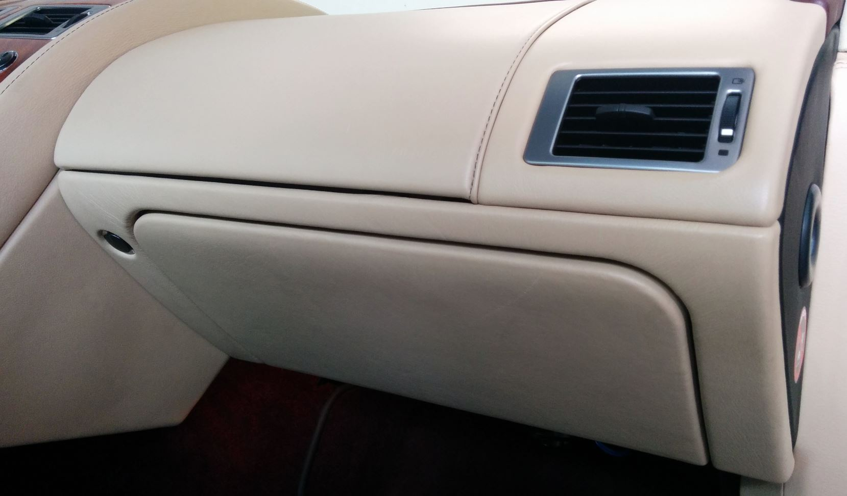 removing the glove box and surrounding panel on an aston martin db9